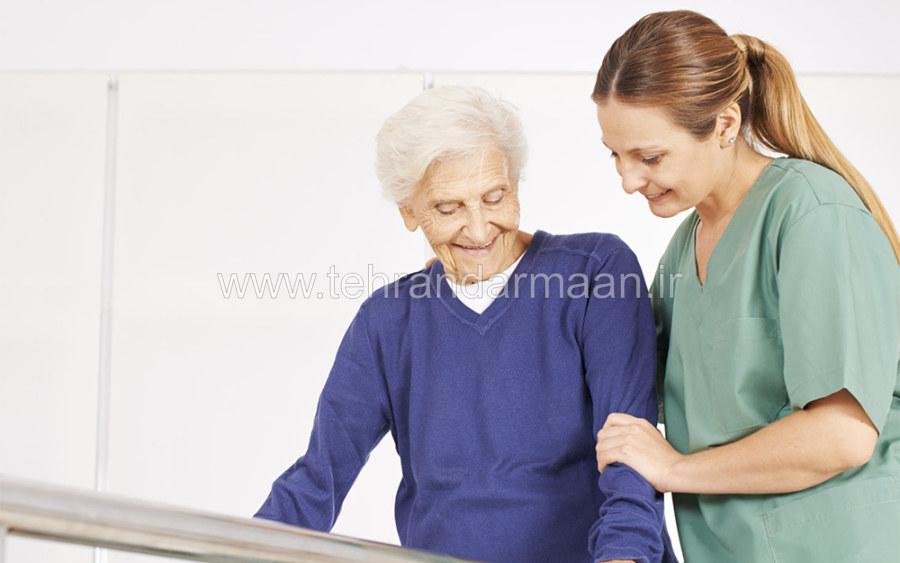 پرستار سالمند