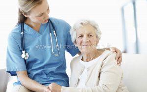 پرستار بیمار در منزل